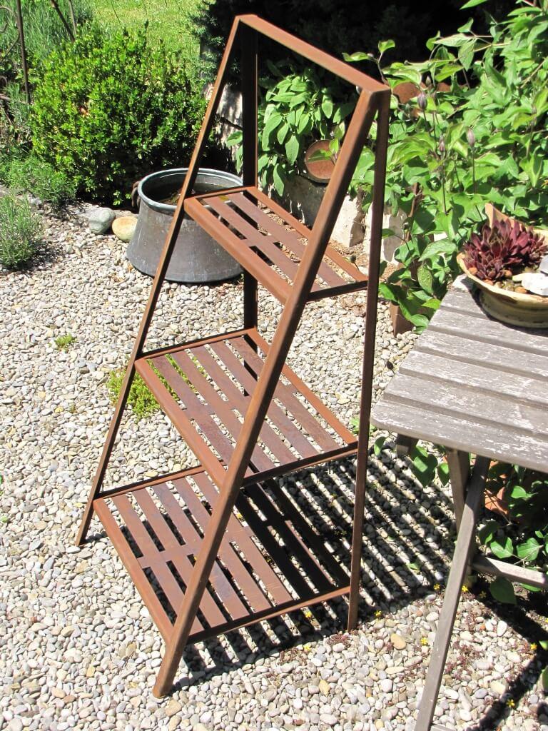 edelrost pflanztreppe metall dekoregal metallregal pflanzregal. Black Bedroom Furniture Sets. Home Design Ideas