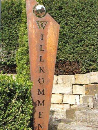 Stele Rost Nr.21 Gartendeko Skulptur Edelstahlkugel