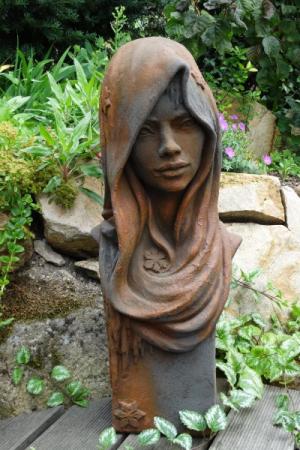 Skulptur gesicht frau aus steinguss 50 cm angels garden for Rostelemente garten