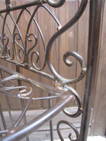 beistelltische regale und gartenm bel aus metall angels garden dekoshop. Black Bedroom Furniture Sets. Home Design Ideas