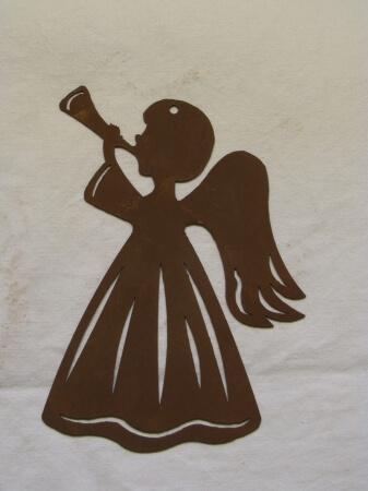 fensterbild engel mit trompete aus edelrost angels. Black Bedroom Furniture Sets. Home Design Ideas