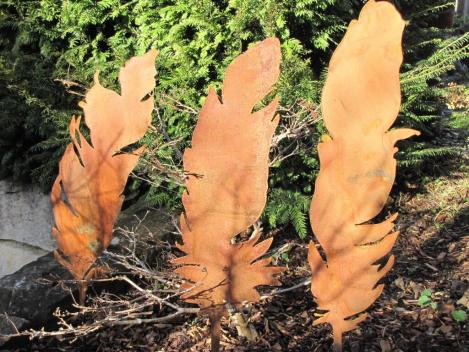 Edelrost feder am stab variante a angels garden dekoshop for Edelrost gartenstecker