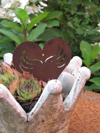 Edelrost herz mit fl geln angels garden dekoshop for Rostige herzen gartendeko