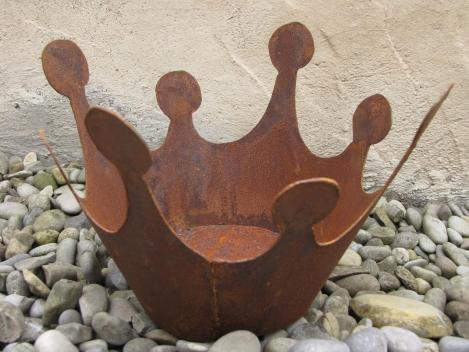 sehr gro e konische krone mit boden aus rost angels garden dekoshop. Black Bedroom Furniture Sets. Home Design Ideas