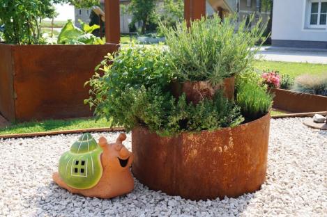 Pflanzringe Und Hochbeete In Edelrost Und Farbe Angels Garden Dekoshop