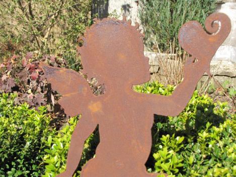 Edelrost topfstecker engel amor mit herz angels garden for Gartendeko engel rost