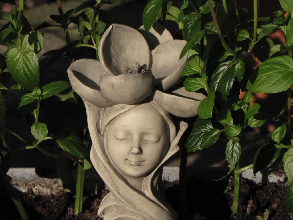 Blumenkind Rose Resin Gartenstecker Zauberblume 11 cm