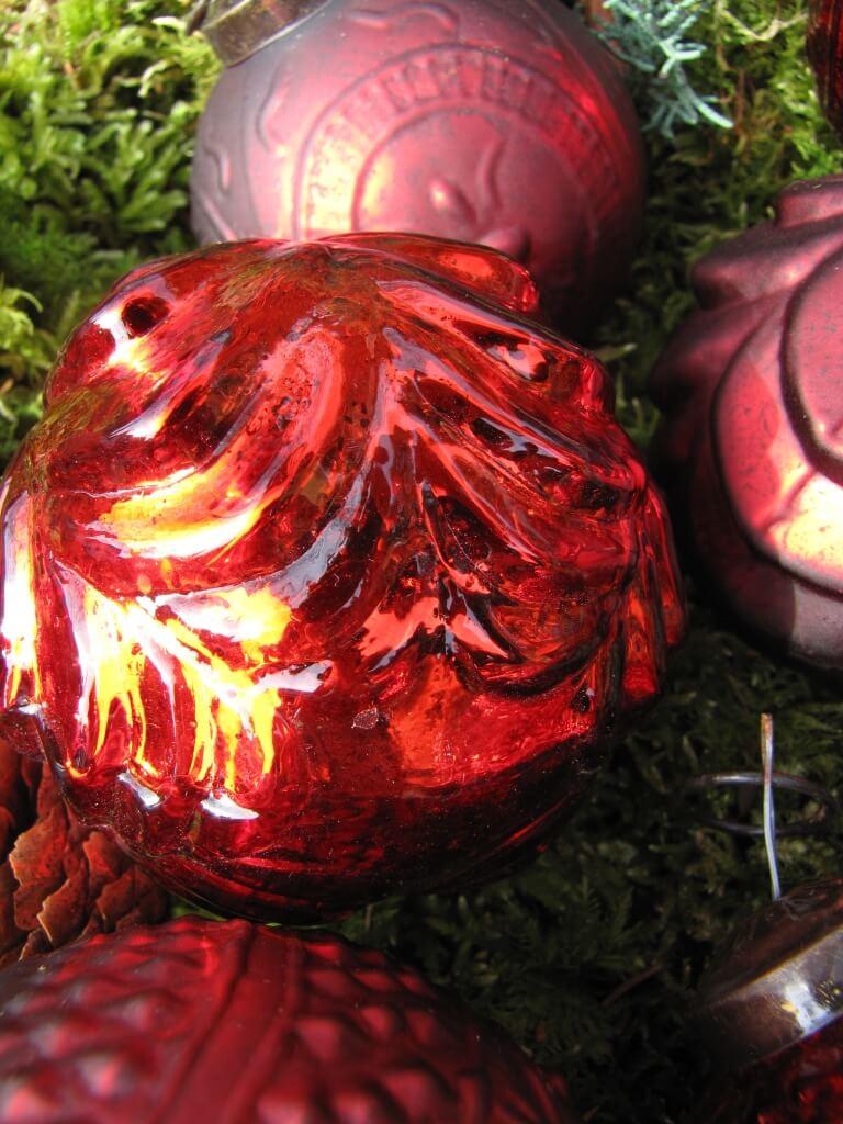 6er set christbaumkugeln aus glas in rot angels garden dekoshop. Black Bedroom Furniture Sets. Home Design Ideas