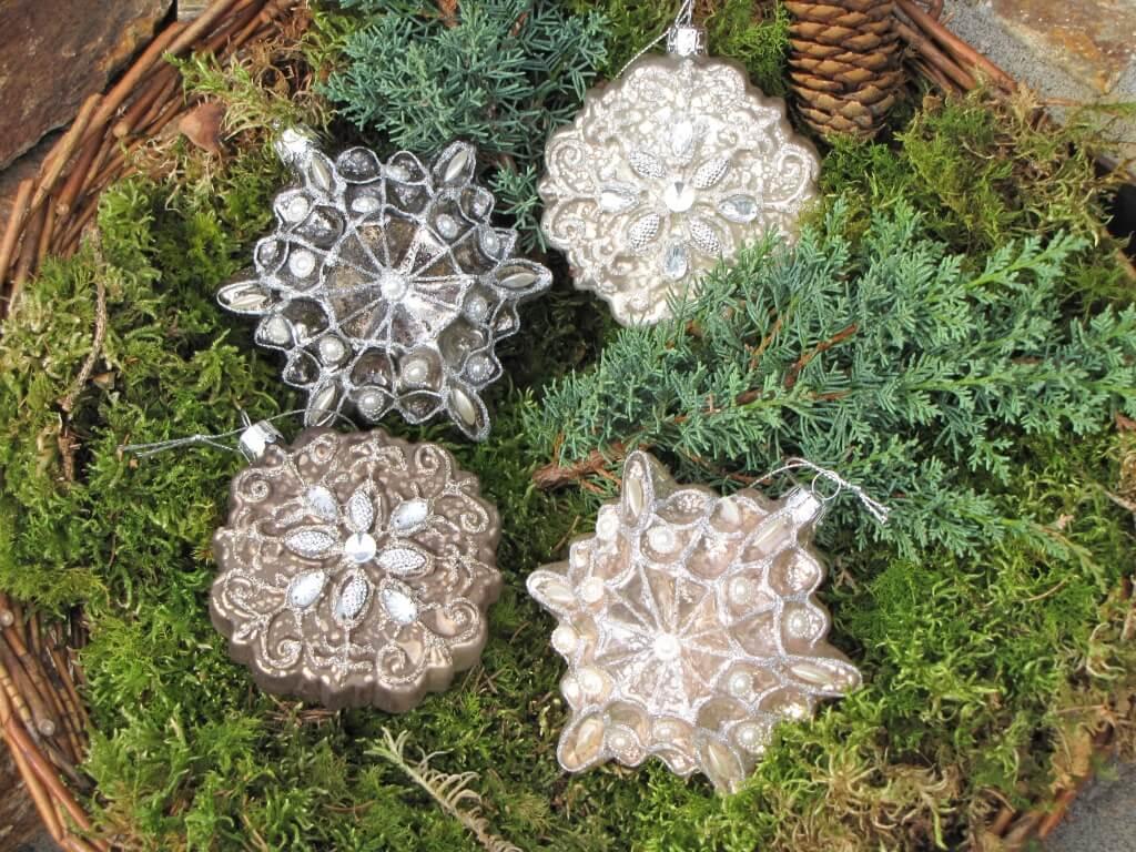 4er set christbaumkugeln schneeflocken aus glas angels garden dekoshop. Black Bedroom Furniture Sets. Home Design Ideas