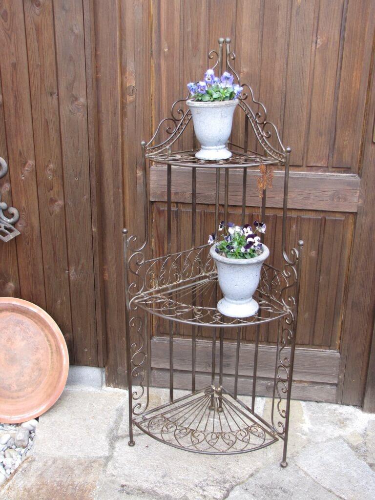 eckregal mit spiralmuster aus metall f r haus und garten klappbar angels garden dekoshop. Black Bedroom Furniture Sets. Home Design Ideas