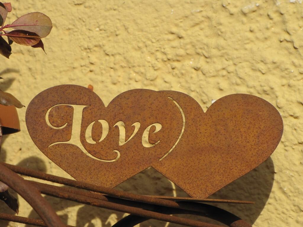 Edelrost doppelherz love auf platte angels garden dekoshop for Rostige herzen gartendeko