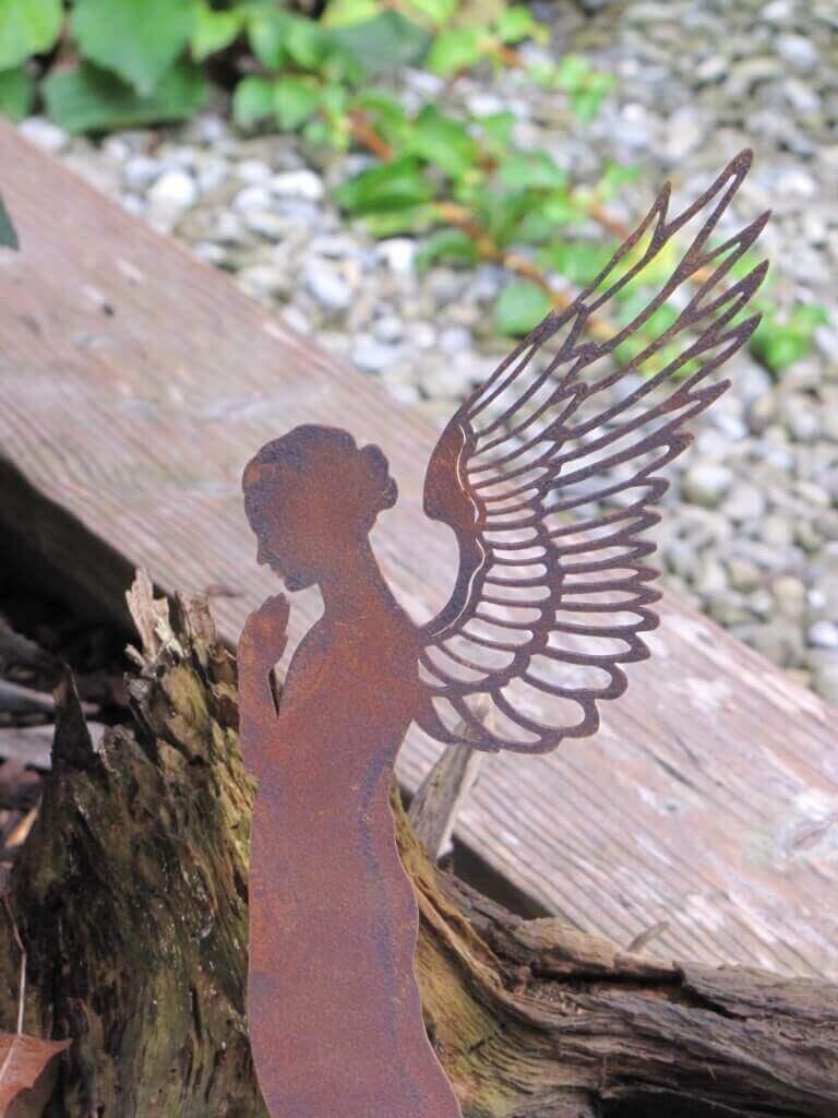 Edelrost engel santine auf platte angels garden dekoshop for Engel edelrost