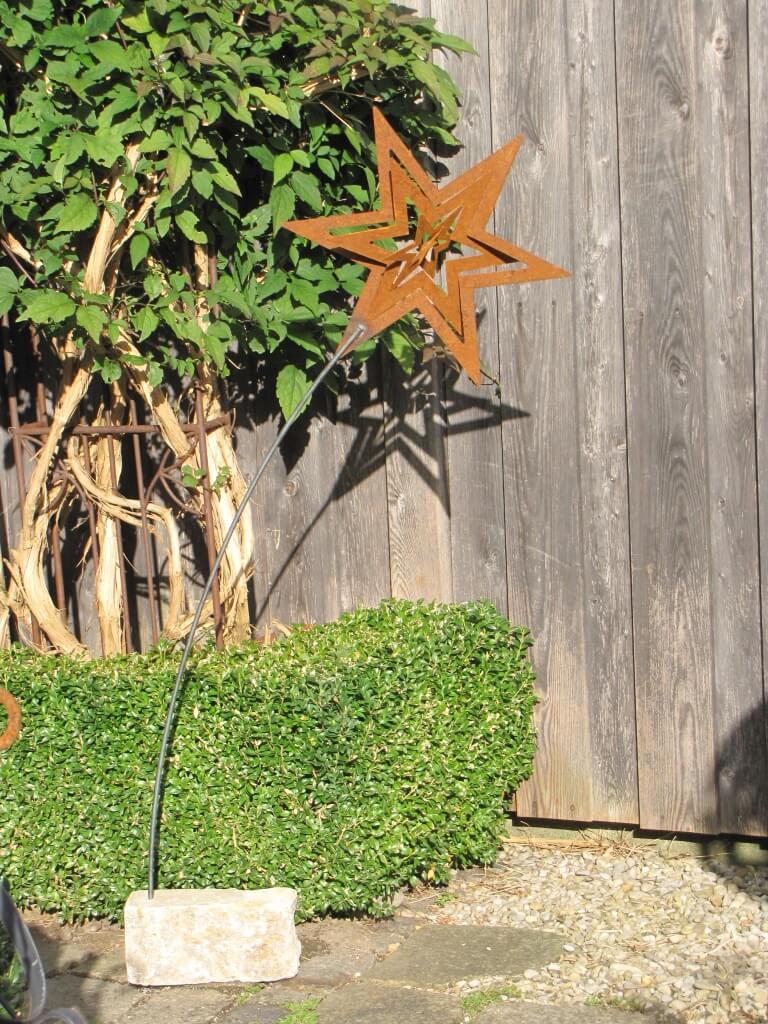 Edelrost gartenstecker stern 3d mit steinsockel angels for Edelrost gartenstecker