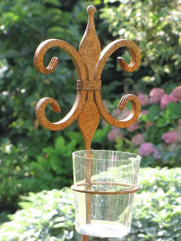 Edelrost gartenstecker lilium mit glaswindlicht angels for Edelrost gartenstecker