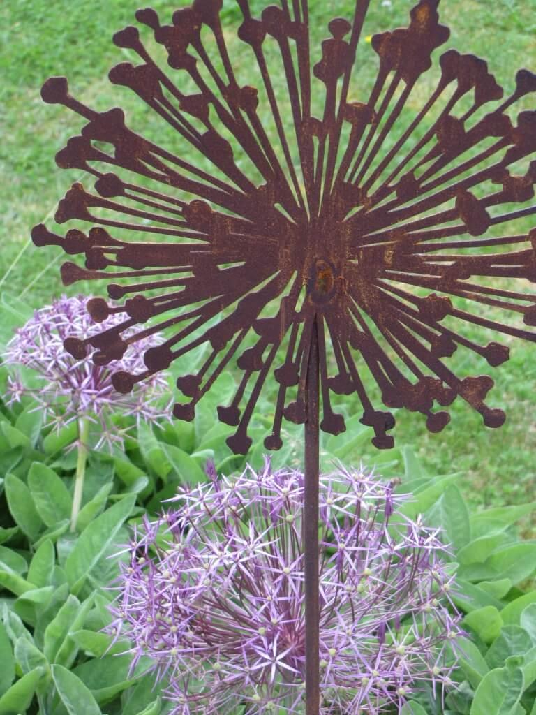 Edelrost Gartenstecker Zierlauch (Allium) 110 cm bis 150 ...
