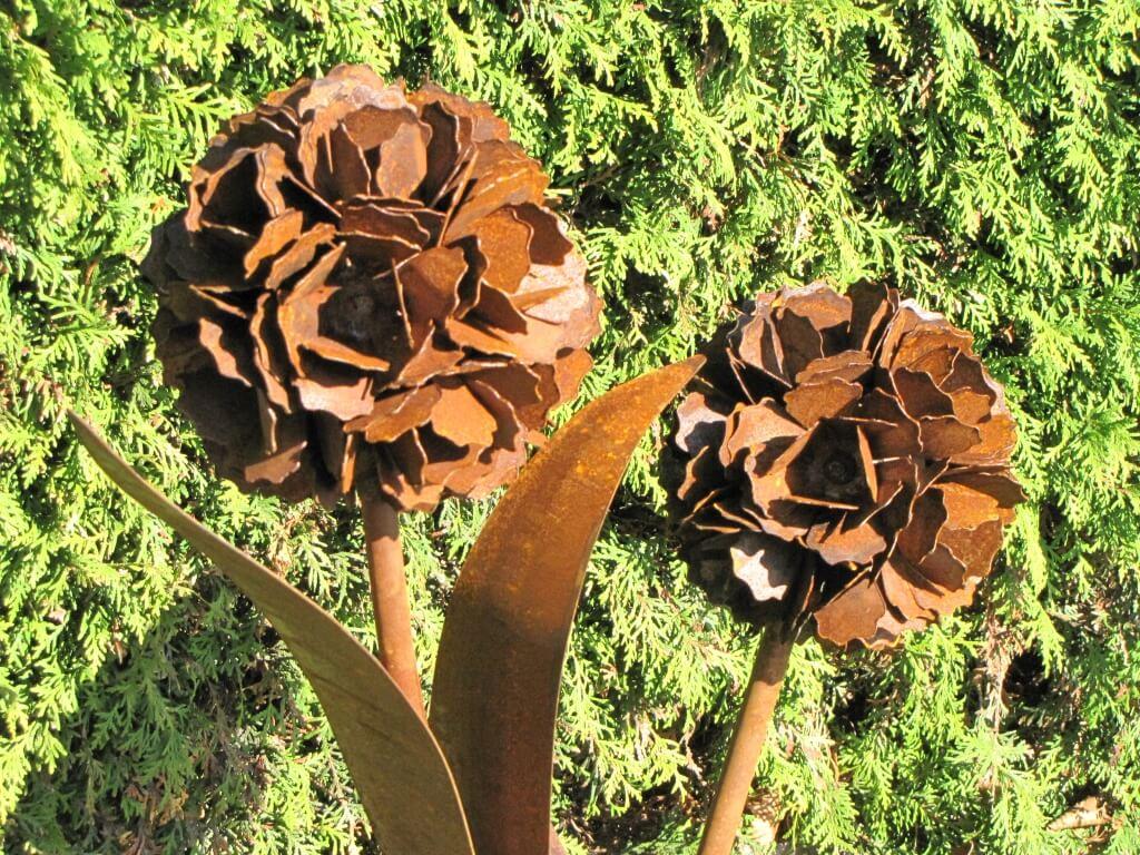 Edelrost pusteblume mit 2 bl ten auf platte metall - Bistrotisch mit 2 stuhlen metall ...
