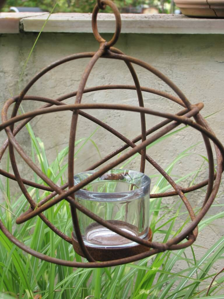edelrost windlicht h ngekugel aus metall angels garden dekoshop. Black Bedroom Furniture Sets. Home Design Ideas