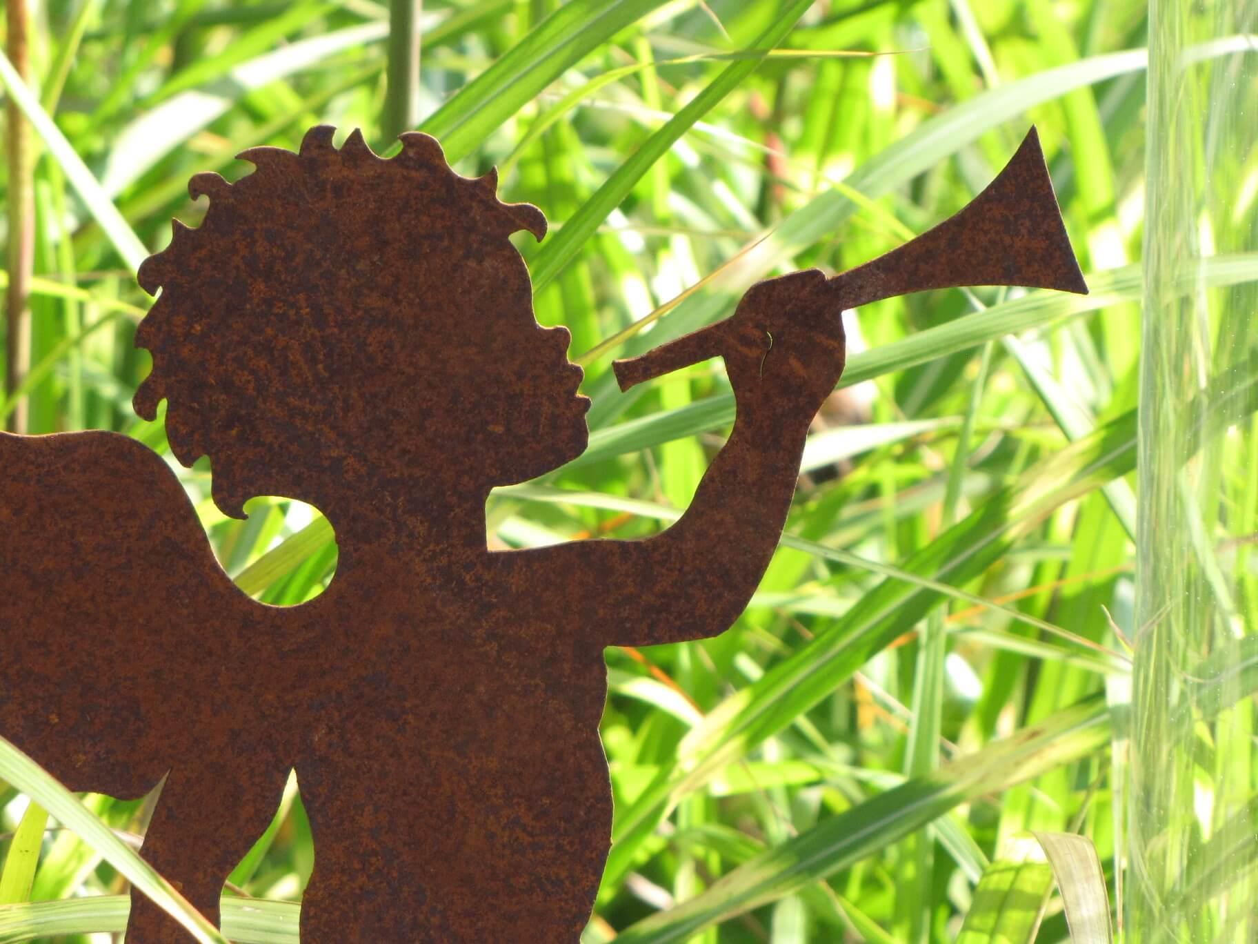 Engel mit trompete auf platte angels garden dekoshop for Engel edelrost