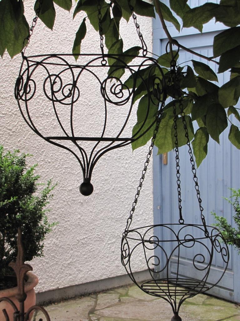 h ngekorb letojanni aus metall klein angels garden dekoshop. Black Bedroom Furniture Sets. Home Design Ideas