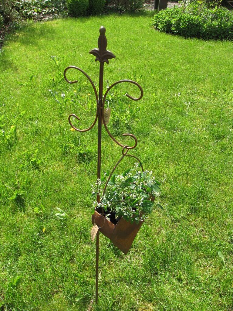 Edelrost pflanzschale herz zum h ngen angels garden dekoshop for Rostige herzen gartendeko
