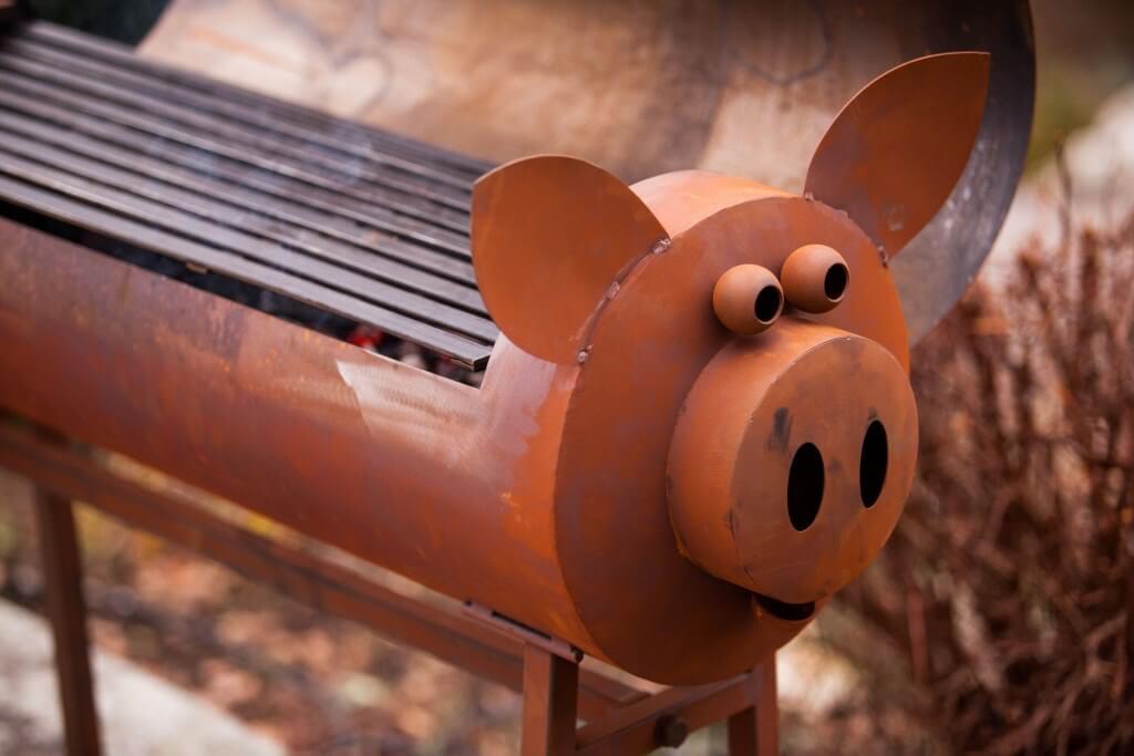 Edelrost schweinchengrill inkl grillrost angels garden for Tiere aus edelrost