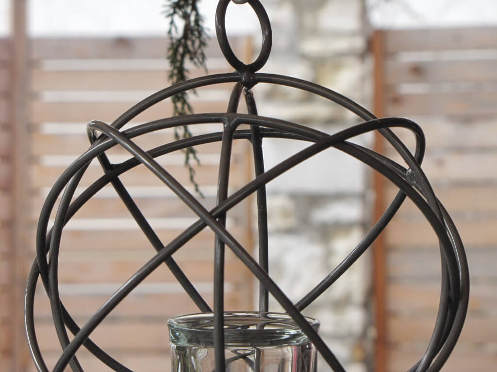 windlicht h ngekugel aus metall angels garden dekoshop. Black Bedroom Furniture Sets. Home Design Ideas