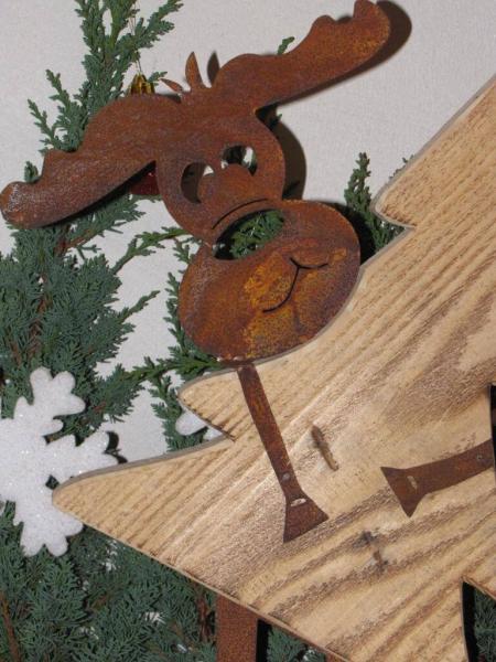 edelrost elch max mit weihnachtsbaum aus holz angels. Black Bedroom Furniture Sets. Home Design Ideas