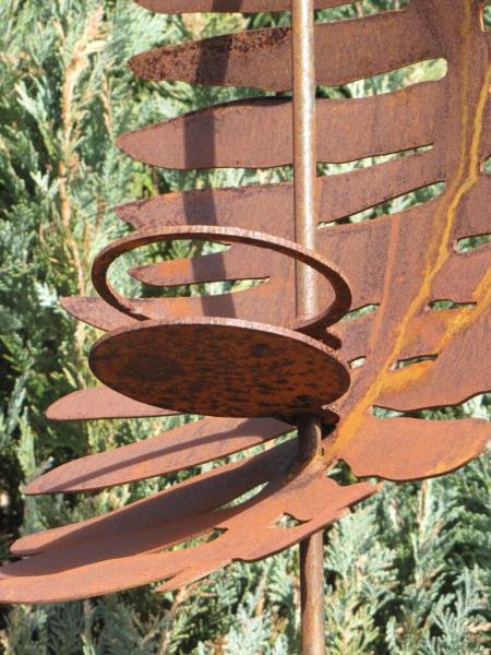 Edelrost gartenstecker farnfackel mit glaswindlicht for Gartenstecker edelrost