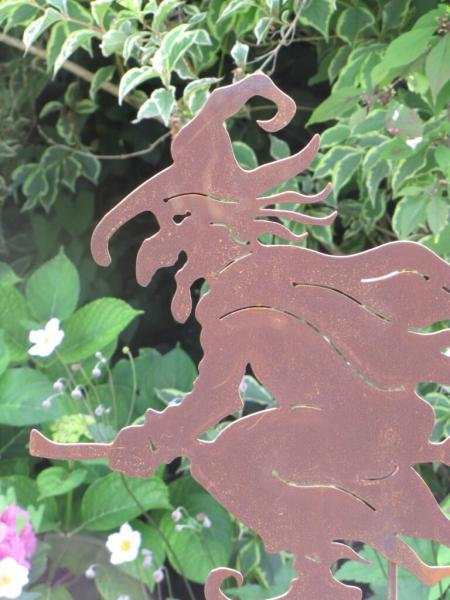 Edelrost gartenstecker hexe alt angels garden dekoshop for Edelrost gartenstecker
