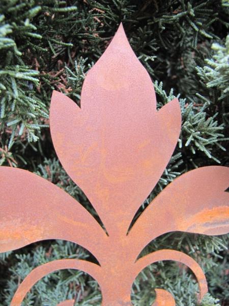 Edelrost gartenstab lilie geschwungen angels garden dekoshop for Rostige gartenstecker