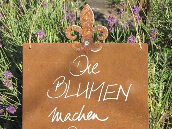 Edelrost Schild Mit Lilie Blumen Machen Den Garten