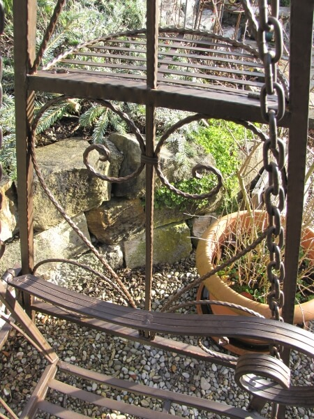 Exklusive hollywoodschaukel aragona angels garden dekoshop for Exklusive beistelltische