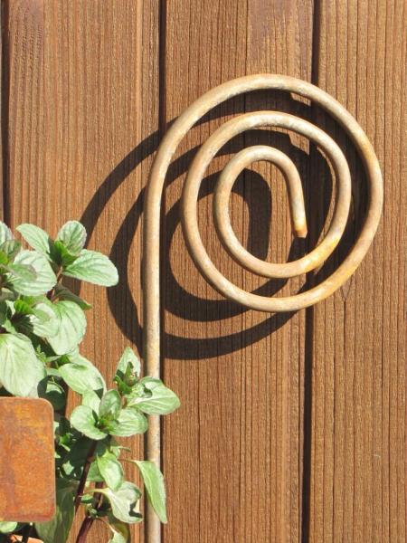 Gartenstecker schnecke aus edelrost mit halterung f r for Rostige gartenstecker