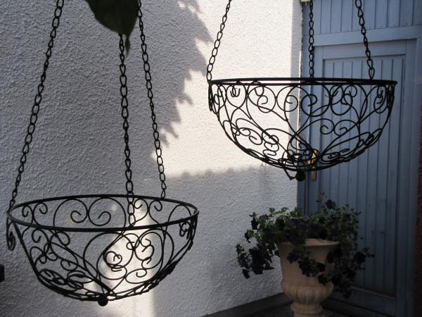 h ngekorb adrano aus metall klein angels garden dekoshop. Black Bedroom Furniture Sets. Home Design Ideas