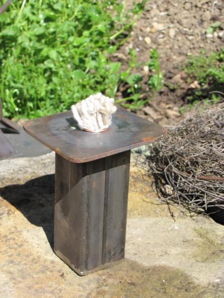 Rustikale gartenfackel aus metall angels garden dekoshop for Tiere aus metall gartendeko
