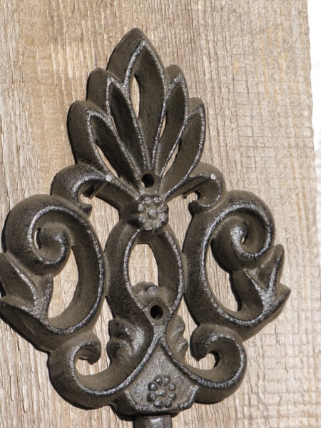 Wandhaken ornament aus gusseisen im shabby chic design for Gartendeko aus gusseisen